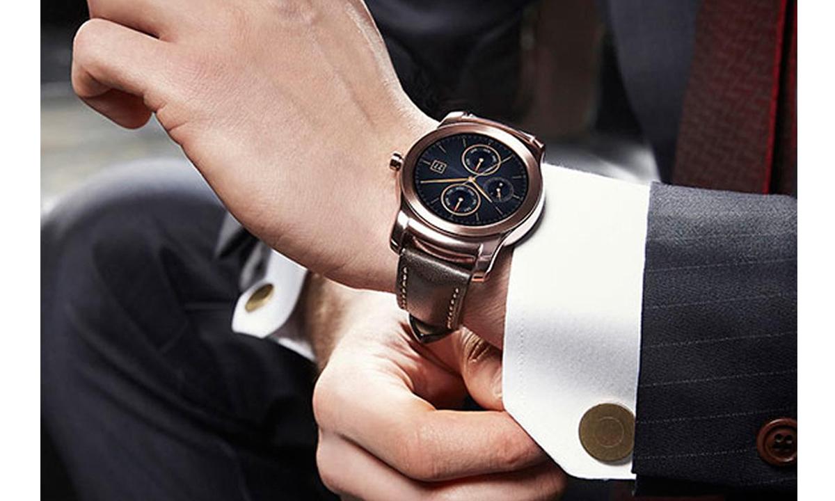 LG-predstavit_umnie_chasi_v_segmente-Luxury-LG-Watch-Urbane-02