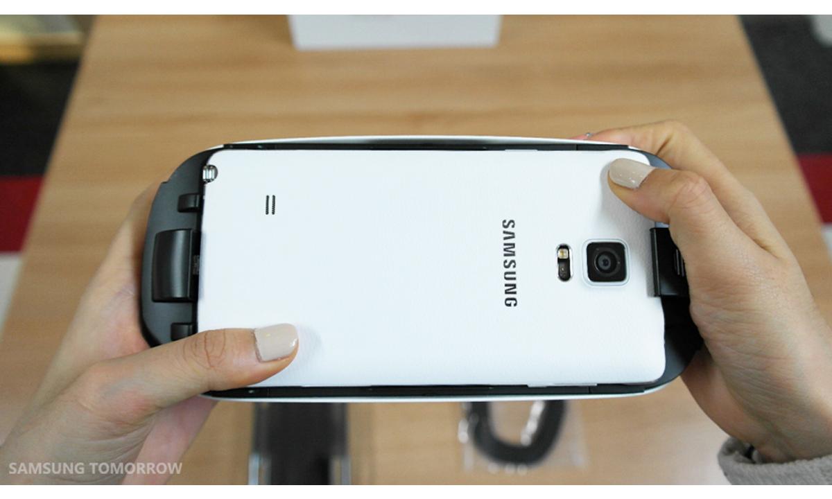 Gear-VR-i-Galaxy-Note-4-04