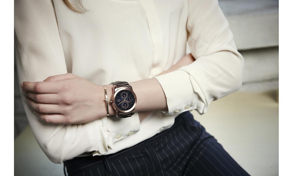LG-predstavit_umnie_chasi_v_segmente-Luxury-LG-Watch-Urbane-04