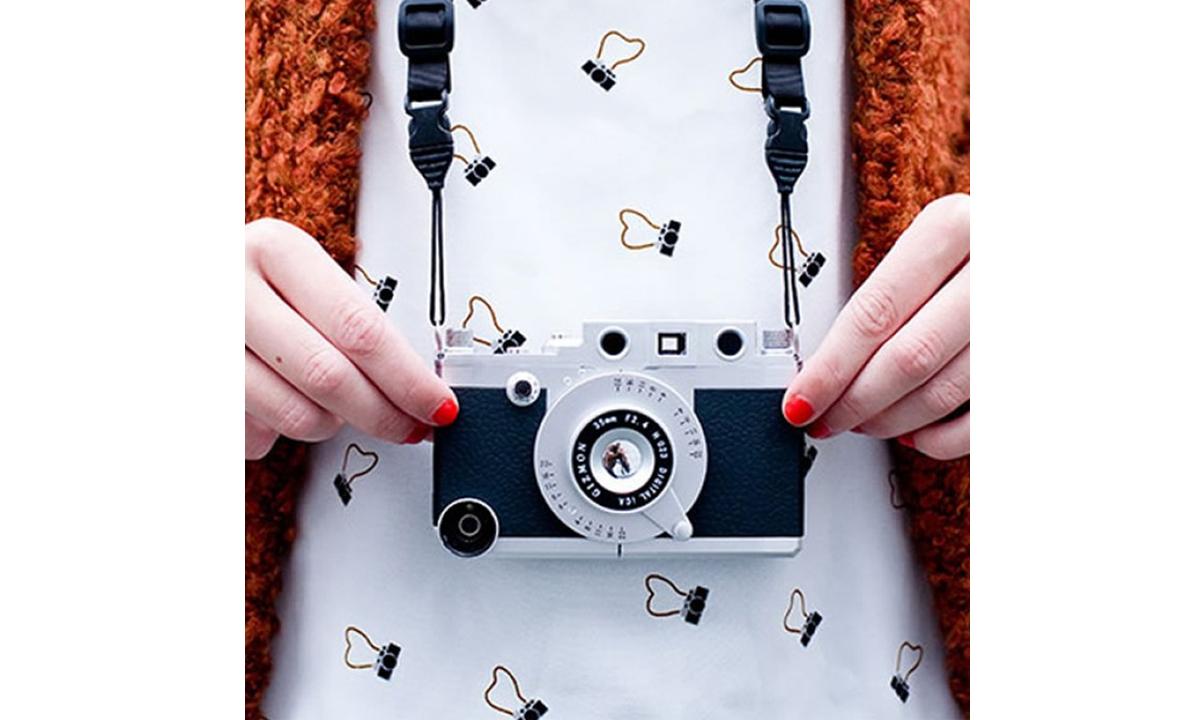 Ekstravagantnie-chehli-i-ramki-dlya-telefonov-fotootchet-11