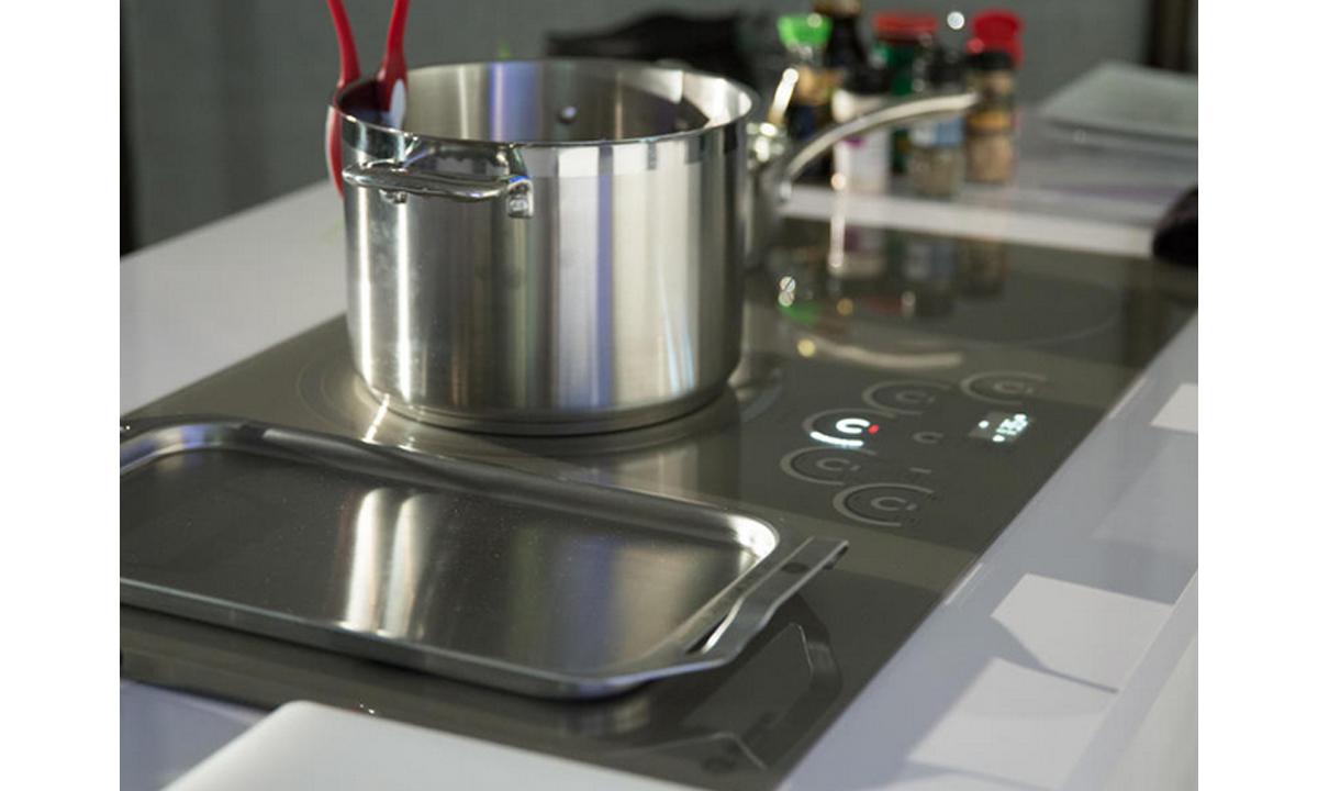 Elektronika-na-kuchne-i-v-vannoy-9