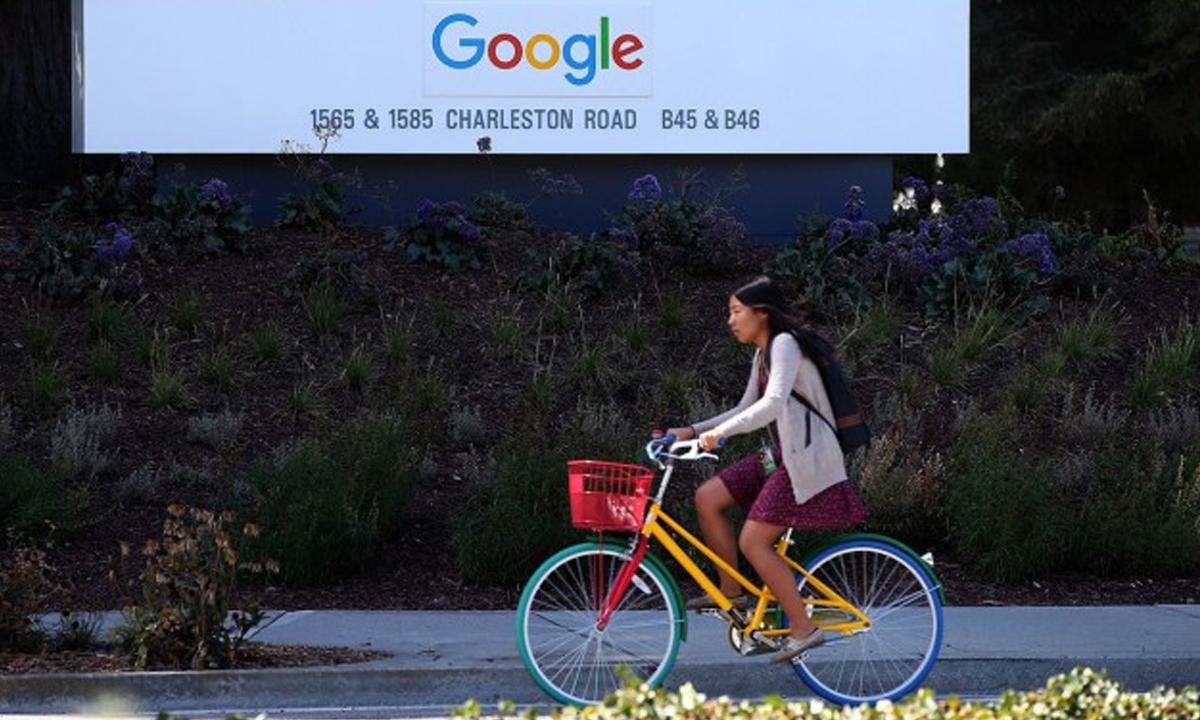 Google-17-let-Kitay-Indiya-Microsof-VR-Kit-2